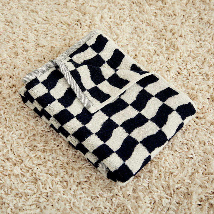 Dusen Dusen Introduces Their Black and White Towel Collection Best Children's Lighting & Home Decor Online Store