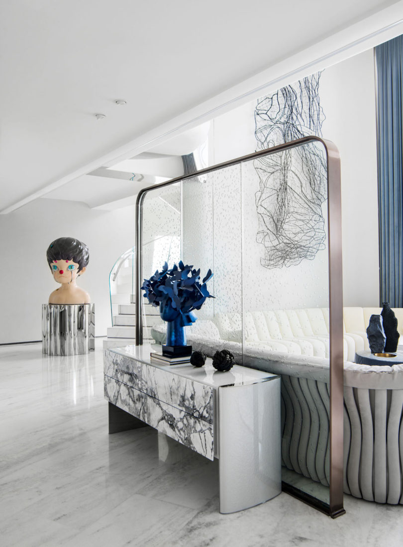 A Dreamy Apartment Overlooking The Ocean In Zhuhai, China