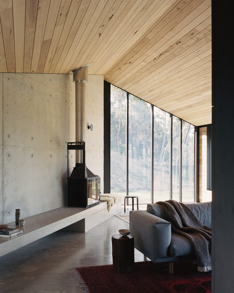 A Compact Modern Home Nestled In The Australian Bushland