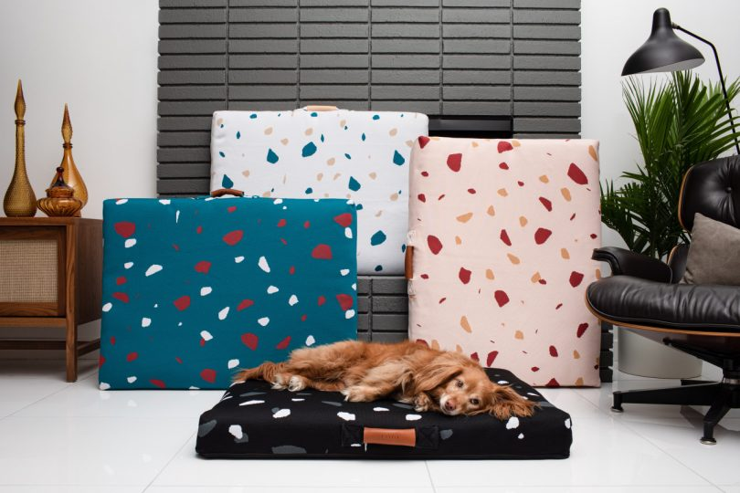 Laylo moder pet beds in four colors