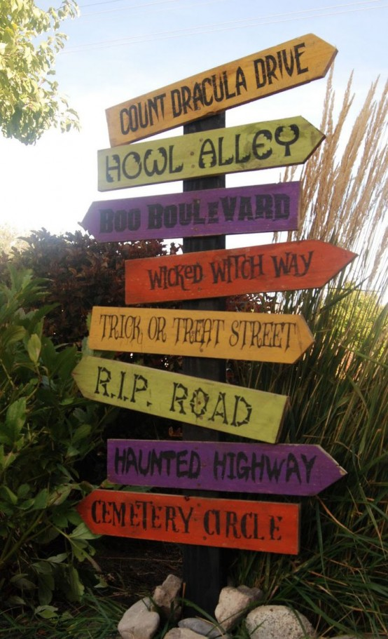 colorful and fun Halloween signs to decorate your outdoor spaces for Halloween and to make them look cool