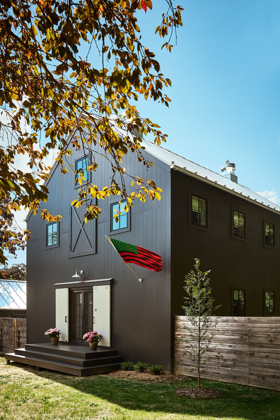 How To Choose An Exterior Paint Color + Our Favorite Shades AND Combos Best Children's Lighting & Home Decor Online Store