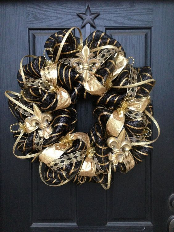 A Glam Vintage Christmas Wreath In Black And Gold, With Ribbons And Beads Is Amazingly Lovely