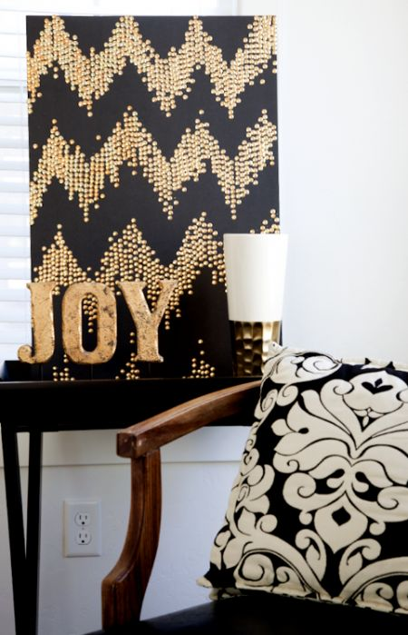 A Black And Gold Christmas Sign With A Chevron Pattern And Gold Letters Is A Lovely And Chic Idea To Rock On Holidays