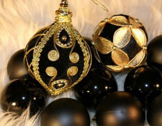 Glossy And Matte Black Ornaments And Elegant And Chic Black And Gold Ones Will Make Your Christmas Tree Look Amazing And Very Chic And Bold