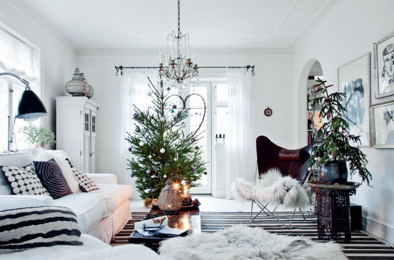 How to Match Your Holiday Decor to Your Interior Design Style