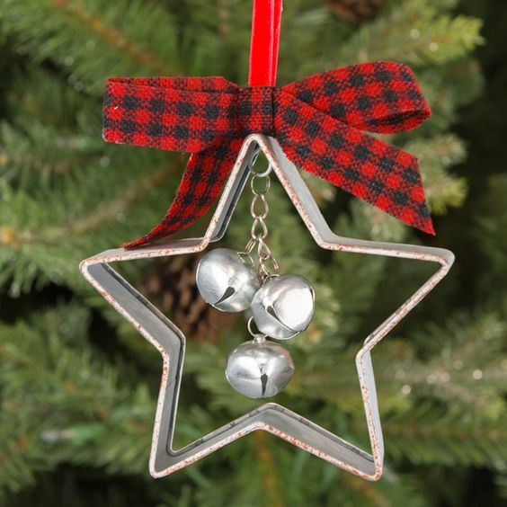 A Vintage Christmas Ornament Of A Star Cookie Cutter, Bells And A Plaid Bow Is Amazing For Tree Decor